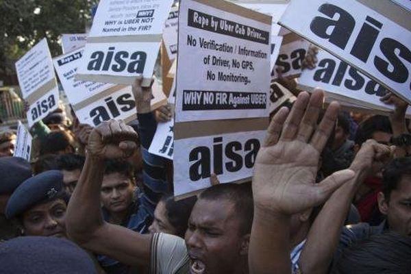 Inde : Uber est banni de New Delhi après le viol présumé d'une passagère