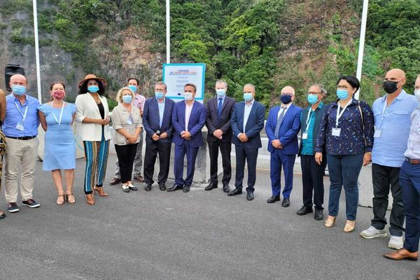 Inauguration du viaduc en mer de la NRL