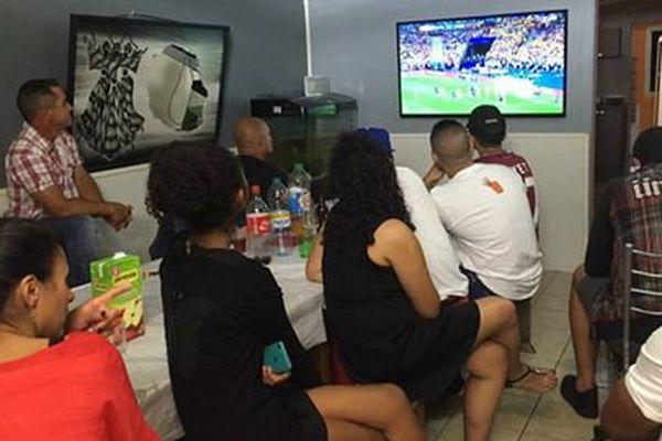 20160611 On regarde le match