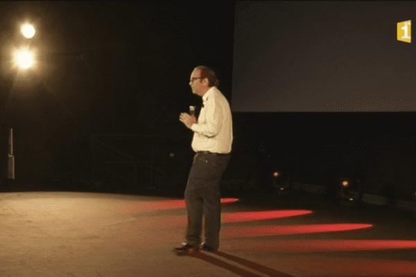 20170704 Xavier Niel présente le forfait de Free à La Réunion