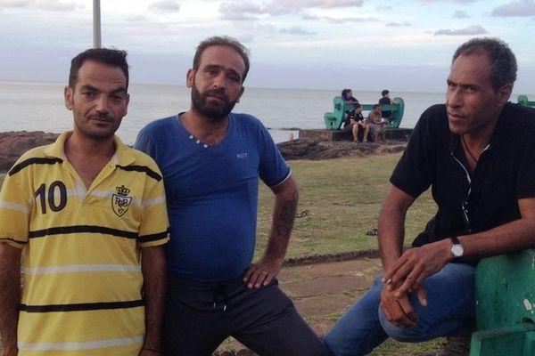 Réfugiés syriens à la place des Amandiers de Cayenne