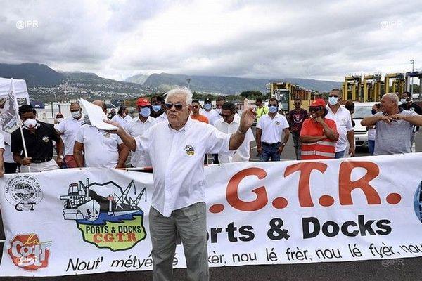 Coronavirus confinement mobilisation dockers au Port 1er mai fête du travail 010520