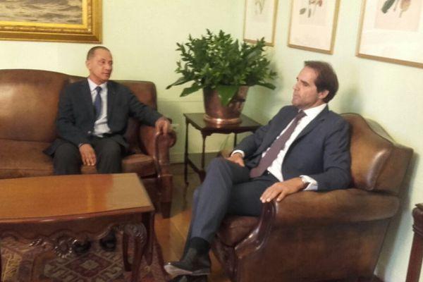 Rodolphe Alexandre et le président du gouvernement régional de Madère, Miguel Albuquerque