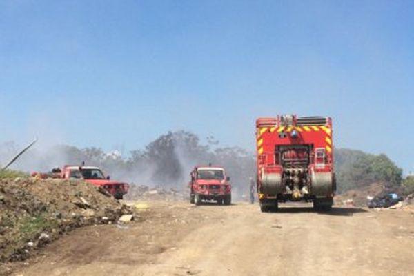 Malgré les moyens mis en oeuvre, l'incendie continue à Koné