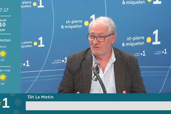 Invité de la matinale : Denis Garnier alerte sur la précarité sociale de l'archipel