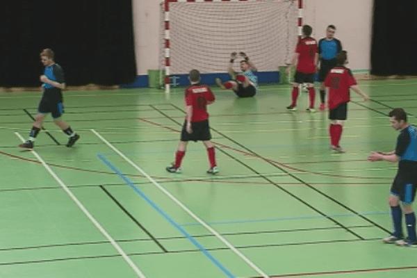 Futsal Saint-Pierre : les Vagabonds ont vaincu la Mean Machine leader du championnat