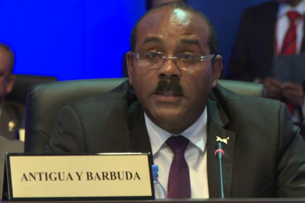 Gaston Browne 1er ministre Antigua et Barbuda