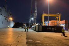Le port de Longoni est le poumon économique de Mayotte. Les élus mahorais demandent à l'Etat de s'engager pour sa modernisation afin de développer les filières économiques de Mayotte