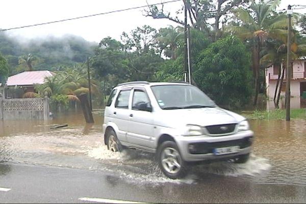 Chaussée inondée