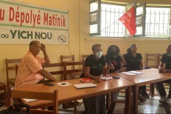 """Le collectif """"Lyannaj Pou Dépolyé Matinik"""" / maison des syndicats"""