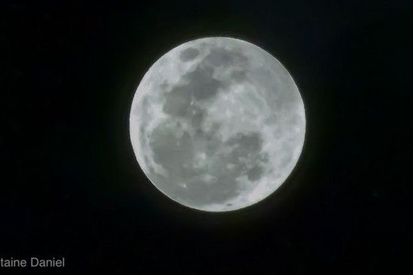Eclipse totale de Lune 270718