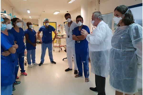 Jean-François Colombet et Dominique Voynet en visite au Centre hospitalier de Mayotte