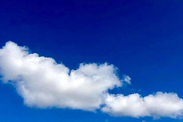 Ciel bleu au-dessus de la Plaine-Saint-Paul octobre 2019