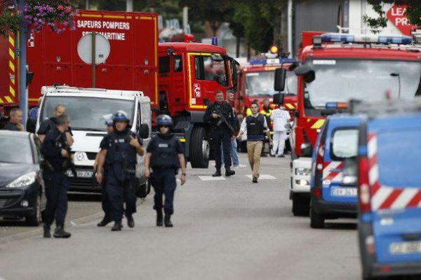 Attaque dans une église près de Rouen : réactions des politiques ultramarins