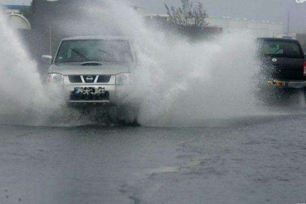 Des routes ont été inondées dans le Sud de l'île.
