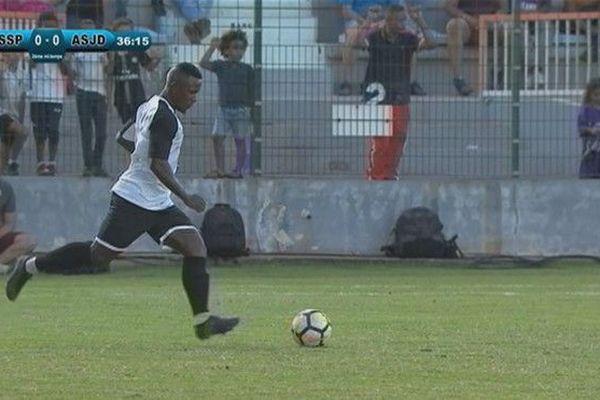 Football la JSSP remporte la Coupe de La Réunion face à la Jeanne d'Arc sur coup de pied arrêté 061019