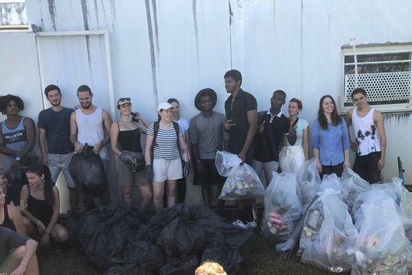 Mobilisation des étudiants pour l'élimination des déchets