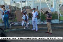Soignants en grève contre l'obligation vaccinale en Guadeloupe