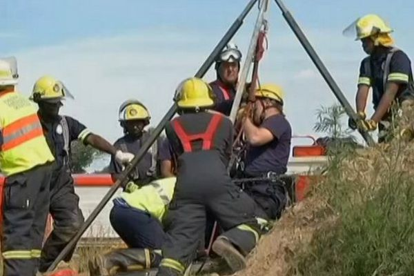 Afrique du sud, mineurs bloqués dans une mine illégale