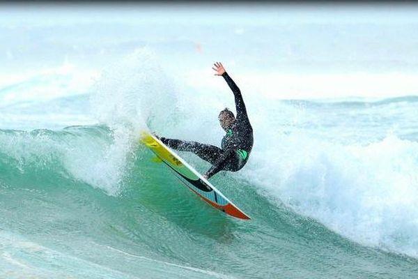 Surfeur Thomas Joncour