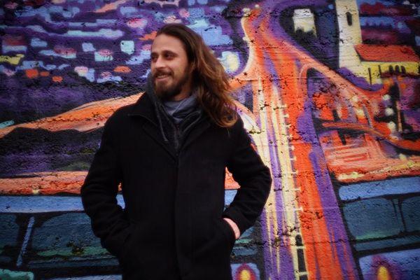 Calédoniens ailleurs : Joram Rivaton, nomade du web