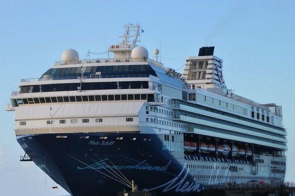 Navire de croisière à quai à Castries