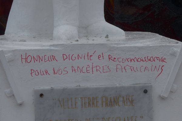 Statue vandalisée