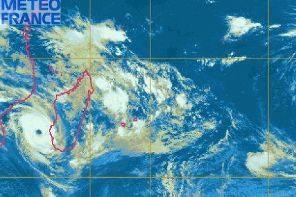 Le Cyclone tropical Haruna est à moins de 300 km de Tulear
