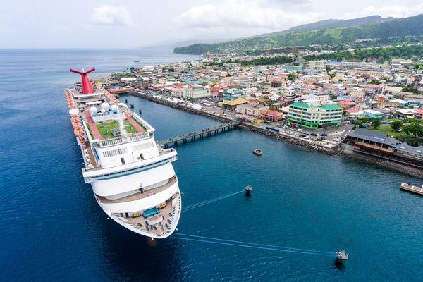 Cruise Ship Dominica