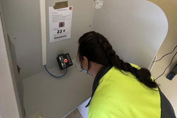 Caméra thermique pour une prise de température sans contact. Site de Tiébaghi. SLN. Covid. Septembre 2021