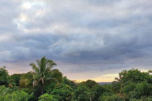 Ciel au dessus de Saint-Philippe le 10 octobre 2019