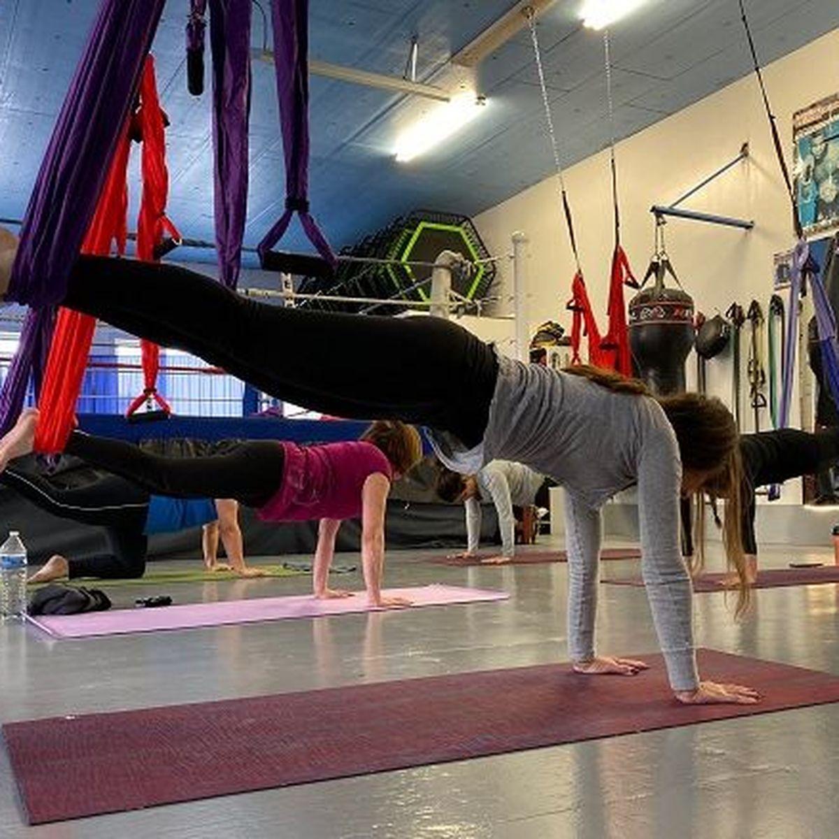 """Le """"fly yoga"""", une nouvelle activité sportive à Saint-Pierre"""