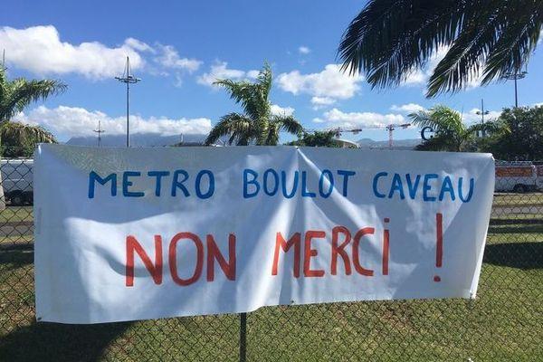 20 décembre mobilisation contre ouverture magasins Saint-Pierre 201219