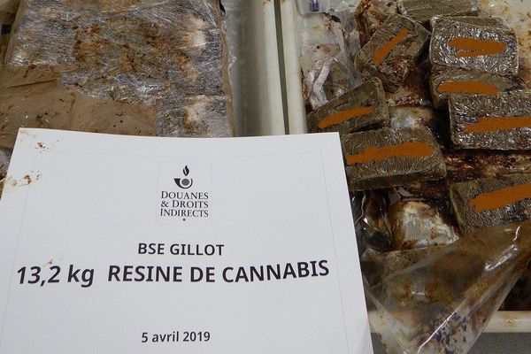 Interpellée avec 13 kilos de cannabis dans ses bagages, une passagère sera jugée ce lundi