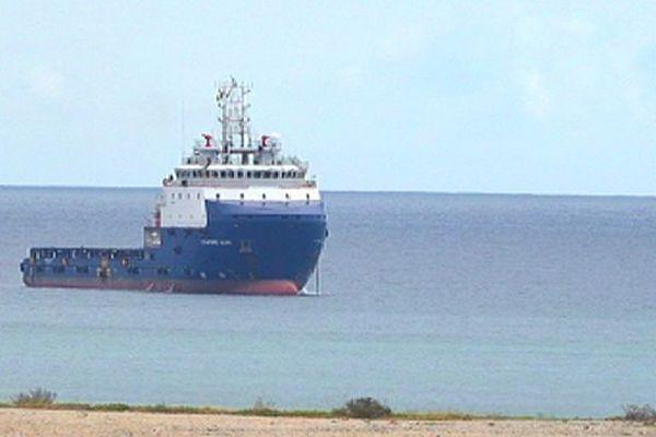 Le Stanford Hawk à l'île Maurice pour secourir le Wakashio