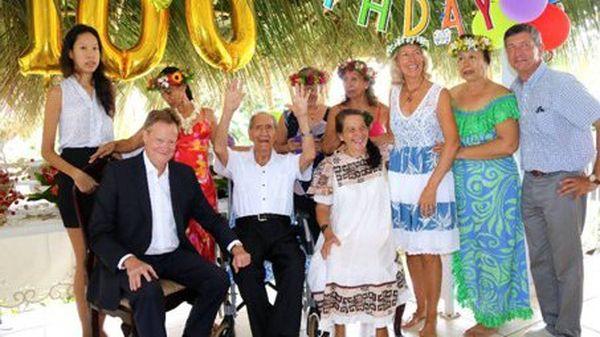 René Bidal aux côtés de Maxime Aubry et de sa famille