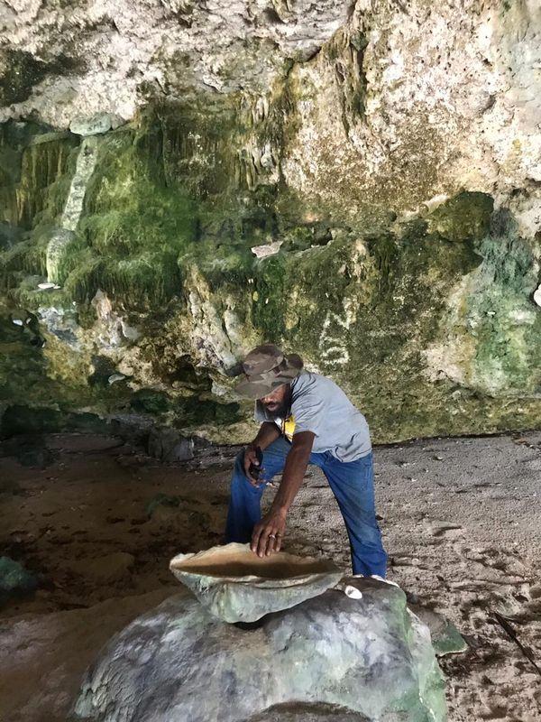 La grotte de Malou à Tiga