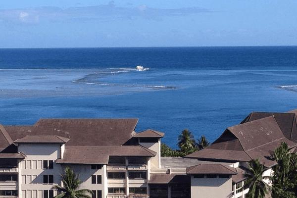 Le Mokai 2 échoué dans la passe de Papeete.