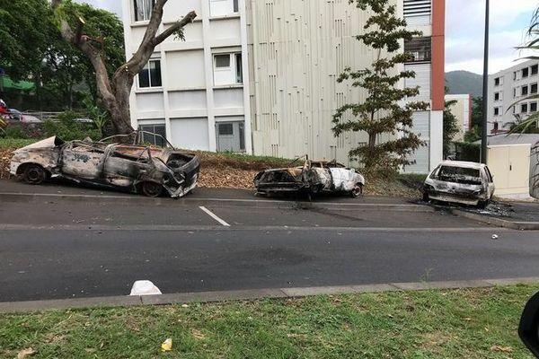 violences aux Camélias voitures brûlées 170120