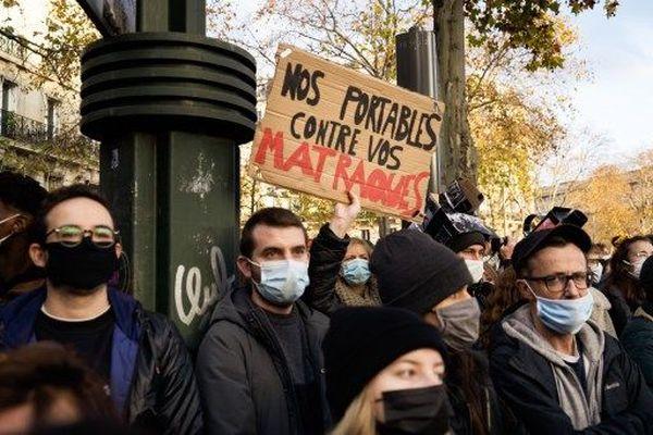 Manifestants anti loi sécurité globale Paris 21 novembre