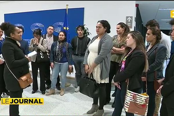 Des étudiants Polynésiens visitent le Parlement européen