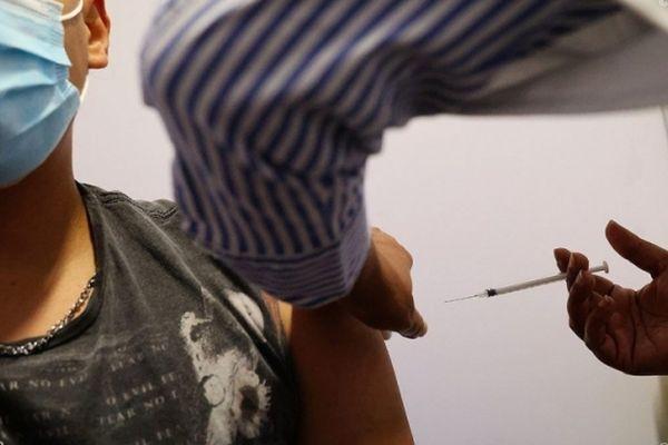 Les opérations de vaccination se poursuivent à La Réunion.