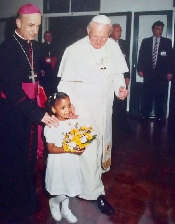 Anne Sophie, fille de Josiane et le pape