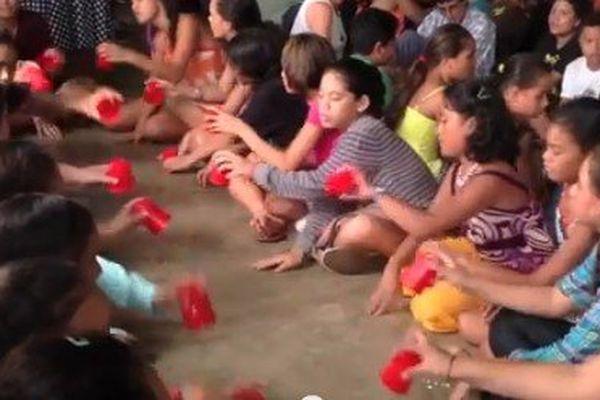 """250 élèves pour un """"cup song"""" 100% local"""