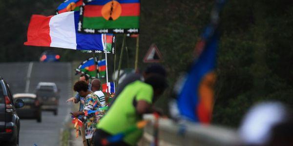 Référendum NC 2020, deux drapeaux, 18 septembre