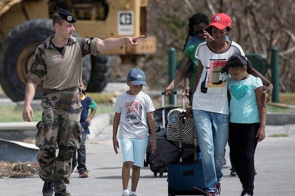 350 ressortissants français et étrangers sinistrés d'Irma en route vers Paris