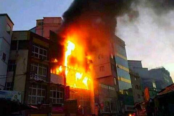 Incendie au centre commercial Behoririka