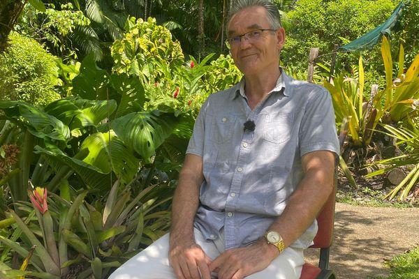 """Emmanuel Ravet Co auteur du livre """"Les orchidées de Guyane"""""""