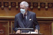 Pierre Frogier lors du débat au Sénat sur la Nouvelle-Calédonie le 4 mai 2021
