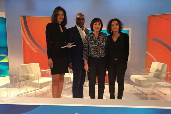 L'équipe d'Outre-mer politique avec Annick Girardin